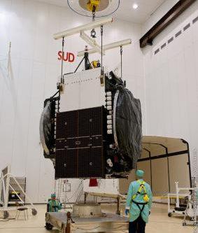 Arabsat-5C under construction2