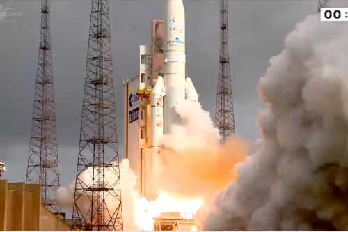 Ariane 5 liftoff with THOR 6