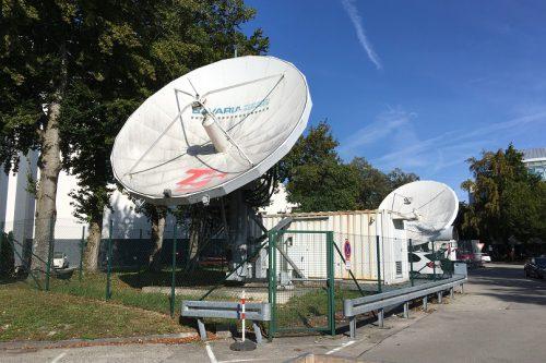 VertexRSI 6.3m antenna front view