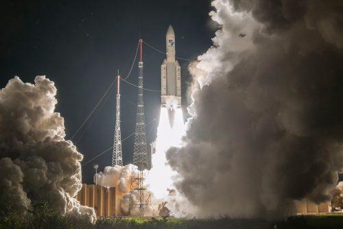 Horizons-3e satellite launch