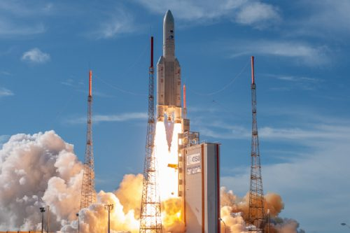Intelsat IS-39 launched by Arianespace2