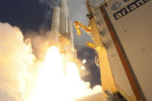 Ariane 5 lifts off with KoreaSat-7