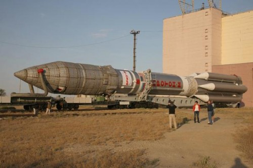 Astra 2E transported to launch pad