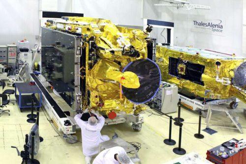 EADS Astium constructs Hotbird satellite2