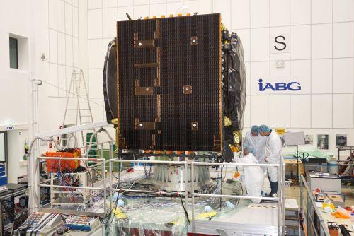 EDRS-C/HYLAS 3 satellite vibration test at IABG