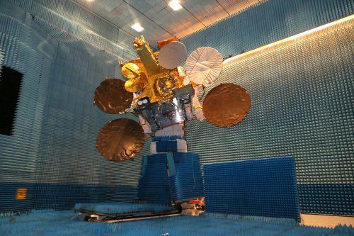 EUTELSAT 9B satellite mechanical tests