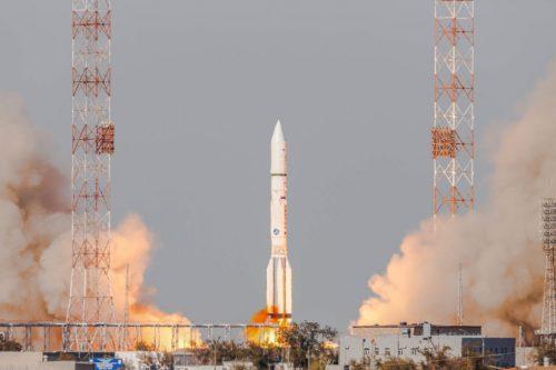ILS Proton launch AMC-23:GE-23:Eutelsat 172A:Eutelsat 174A