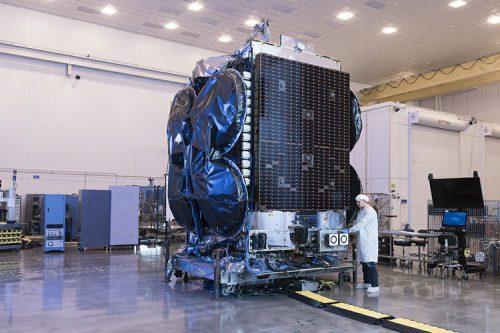 KoreaSat-6 under construction
