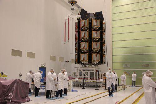 OneWeb Dispenser for satellites