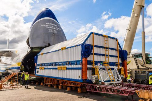 SatMex 5 arrives at Kourou