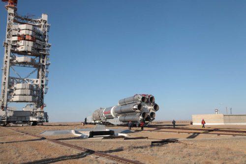 SatMex 8 on Proton rocket to launch pad