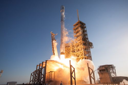 Falcon 9 lifts off with Inmarsat-5 F4
