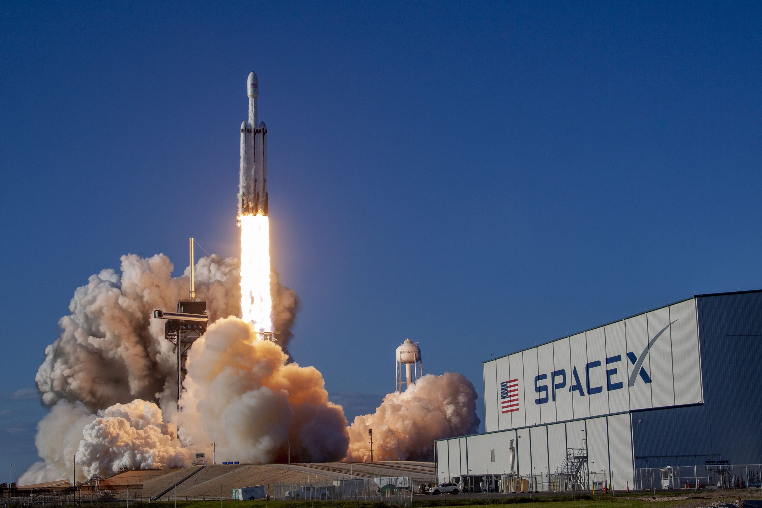 ArabSat-6A satellite launched on a SpaceX' Falcon Heavy rocket