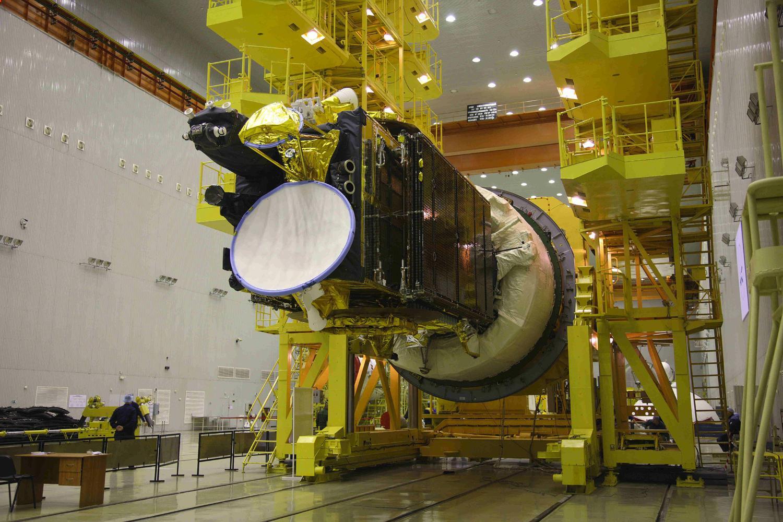 Gazprom Yamal 401 satellite under construction