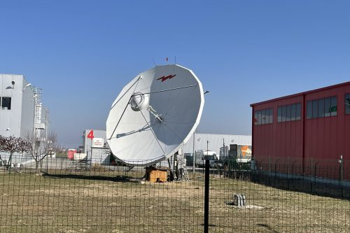 Andrew 7.6m Earth Station Antenna