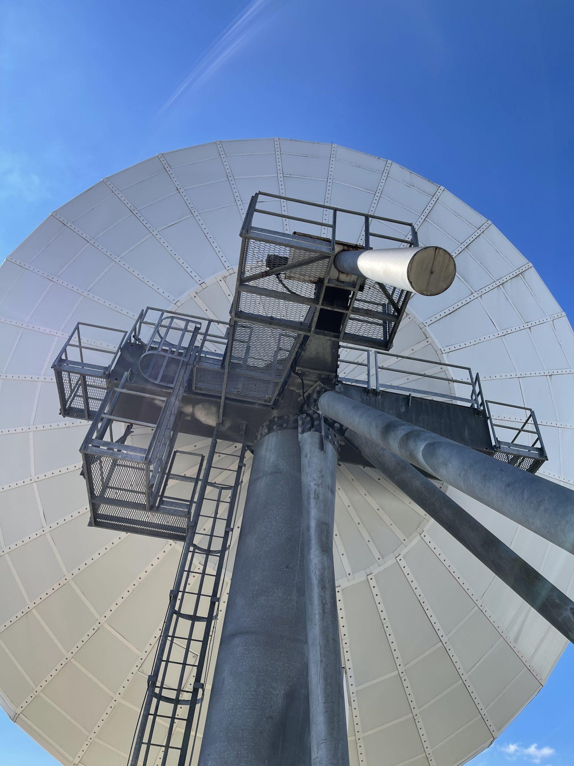 Platform structure of a VertexRSI 18.3m antenna