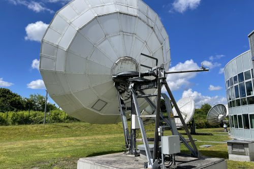 Andrew 7.6m C-band Earth Station Antenna