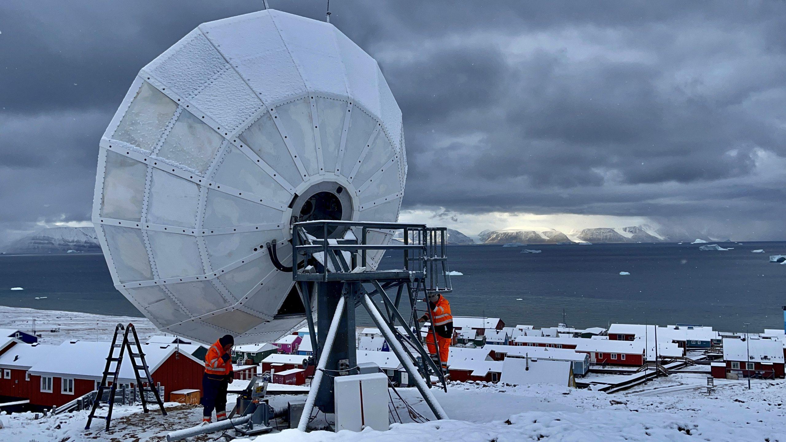 VertexRSI 7.2m antenna installed in Qaanaaq
